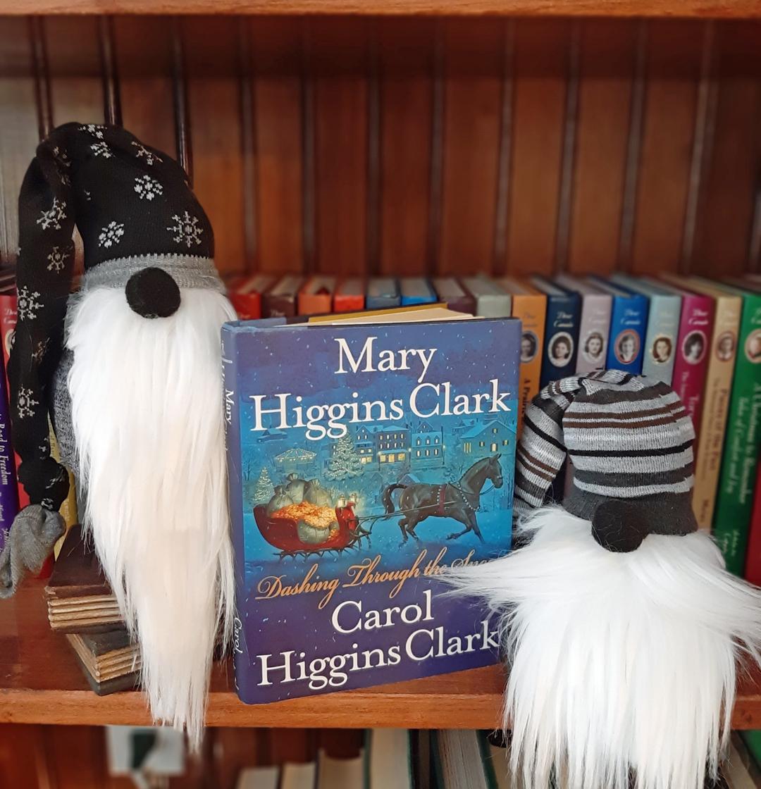 Mary Higgins Clark & Carol Higgins Clark – Dashing Through the Snow
