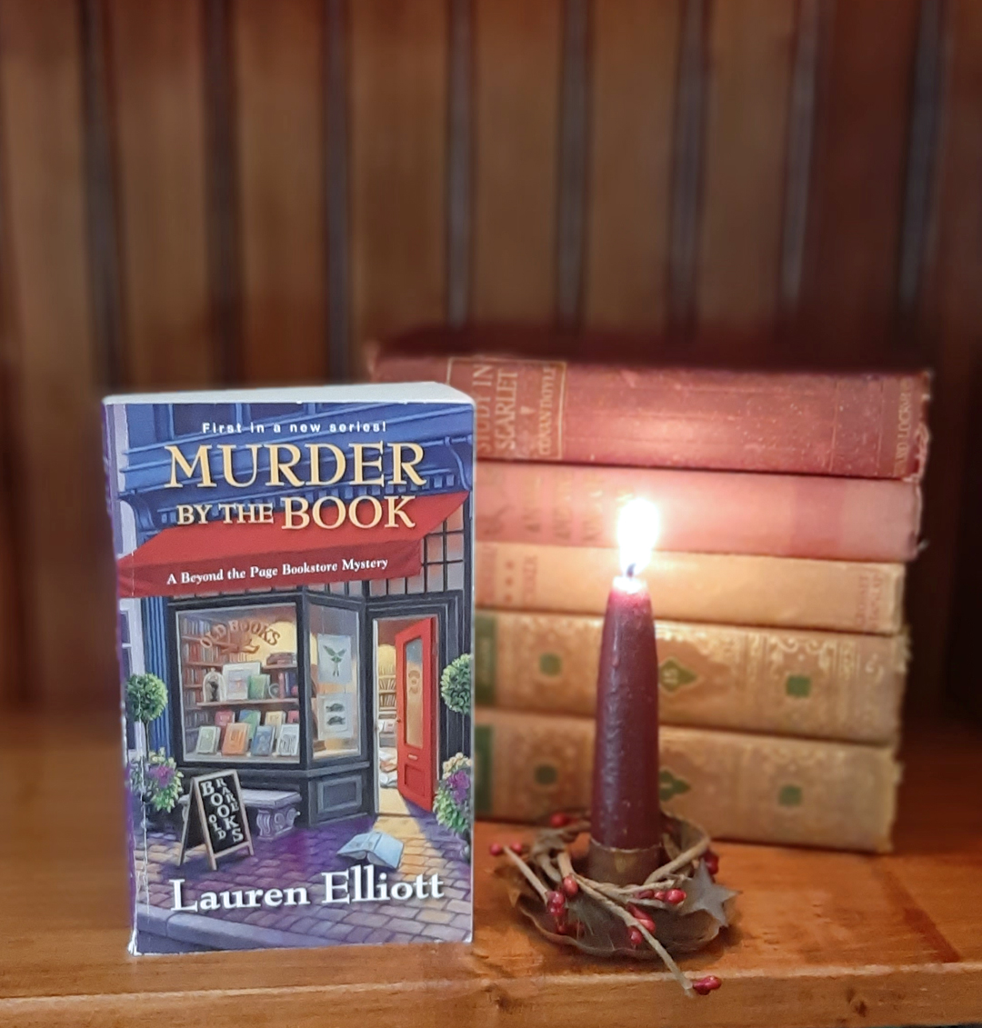 Lauren Elliott – Murder by the Book (A Beyond the Page Bookstore Mystery)