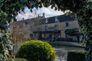 cozy mysteries in small towns | cozy mystery Cotswolds